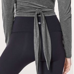 Lululemon TIED TO WRAP Heathered Grey Black CROP!